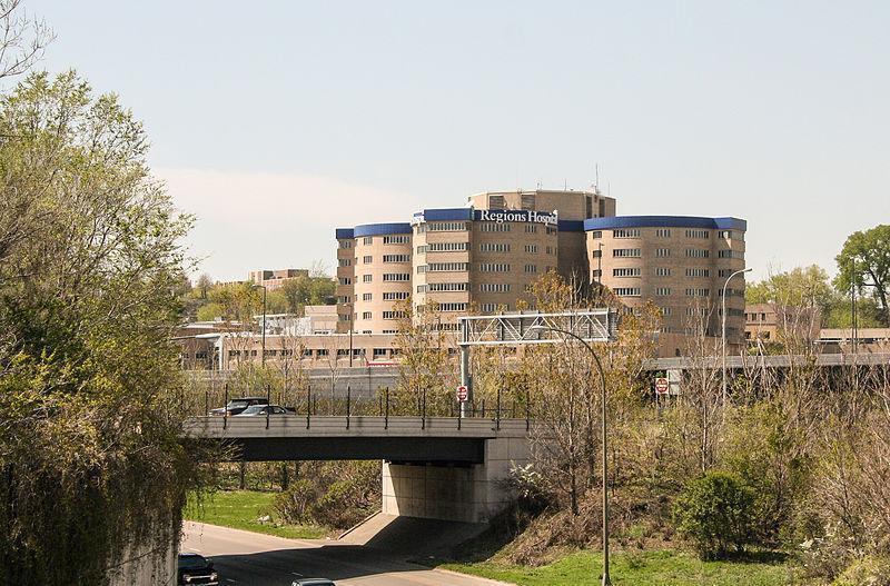 Minneapolis, Hospital