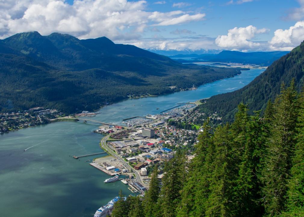 Alaska, town on a river