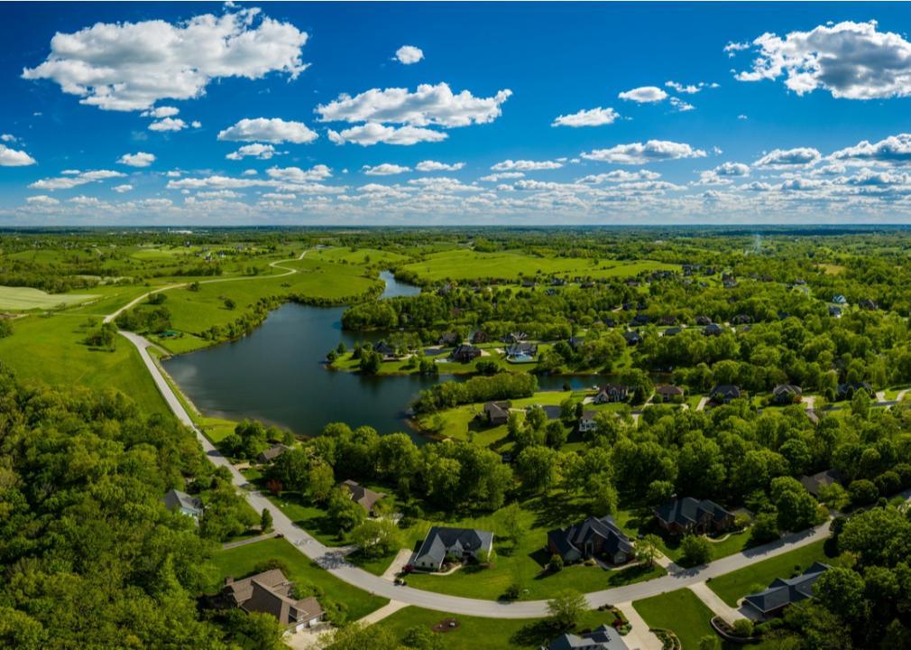Kentucky, verdant green suburb