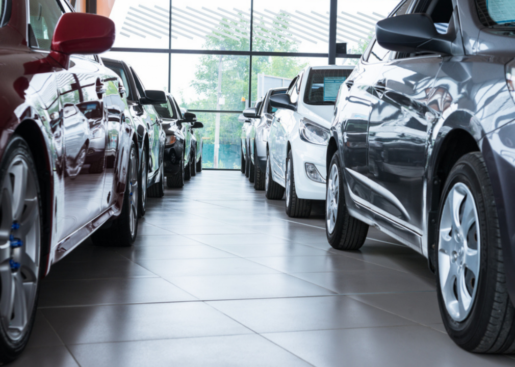 Photo of cars in a line