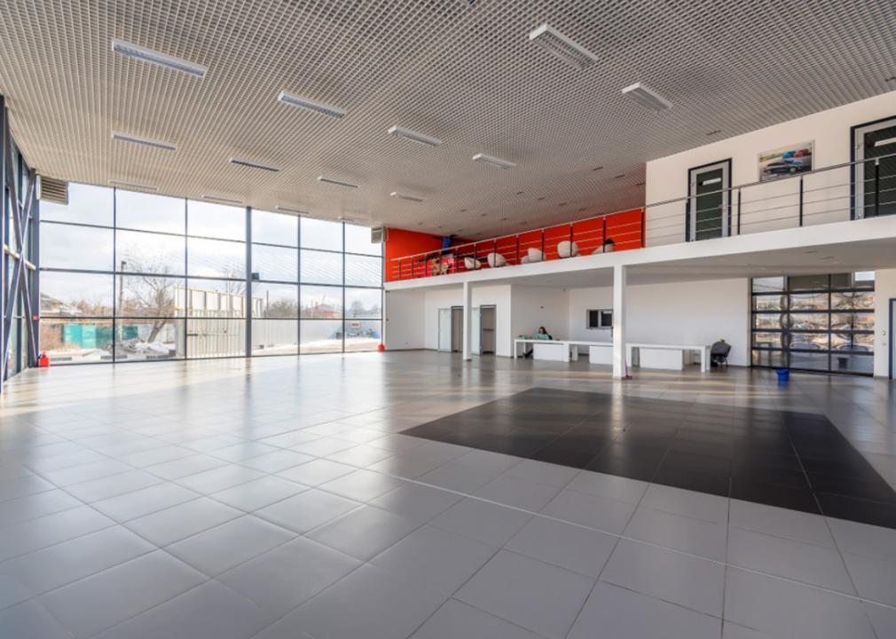 Photo of empty garage interior
