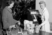 History of the supermarket industry in America
